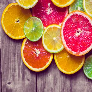 Agrumi e Limoni di tutte le varietà, nel periodo estivo importiamo anche le primizie per accontentare ogni richiesta.